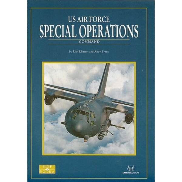 Libro USAF Special Operations Command. The silence of the inky black night is broken by the distant rumble of turboprop engines