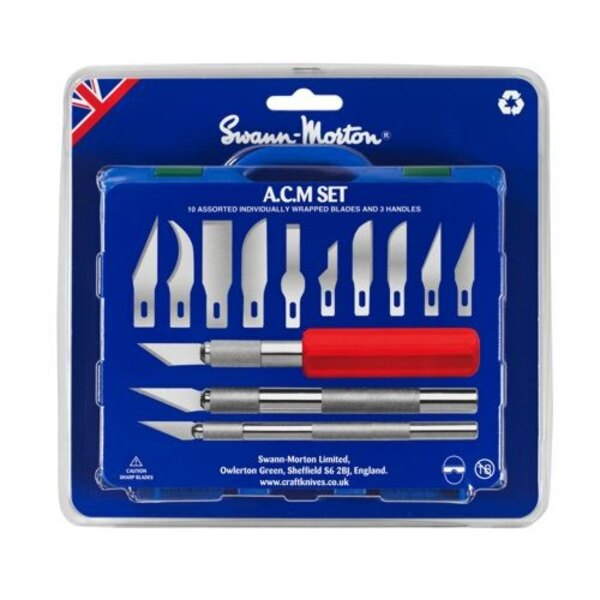 A.C.M Set (Art′s, craft and Modellers Set) Includes 1 x No.1 handle, 1 x No.2 handle, 1 x No.5 handle and 13 precision ground ca