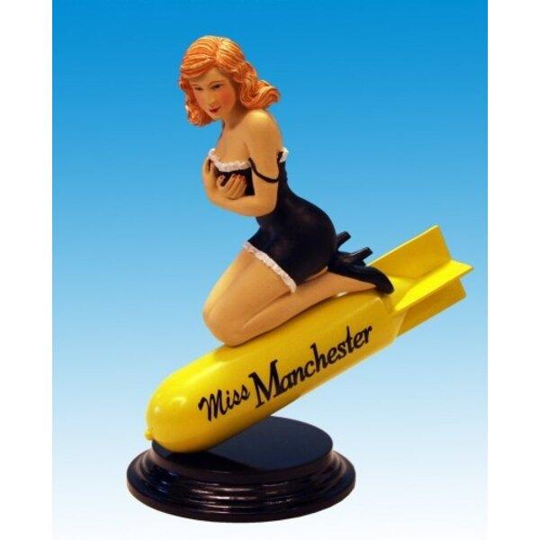 Statue Miss Manchester B -26 Marauder Pinup