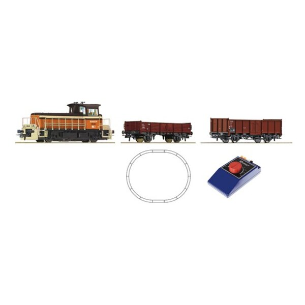 Analogue Starter Set: Small Diesel locomotive and freight train, SNCF